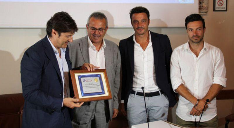 Pescara Camera Di Commercio : Pescara premiato alla camera di commercio. e sebastiani risponde a
